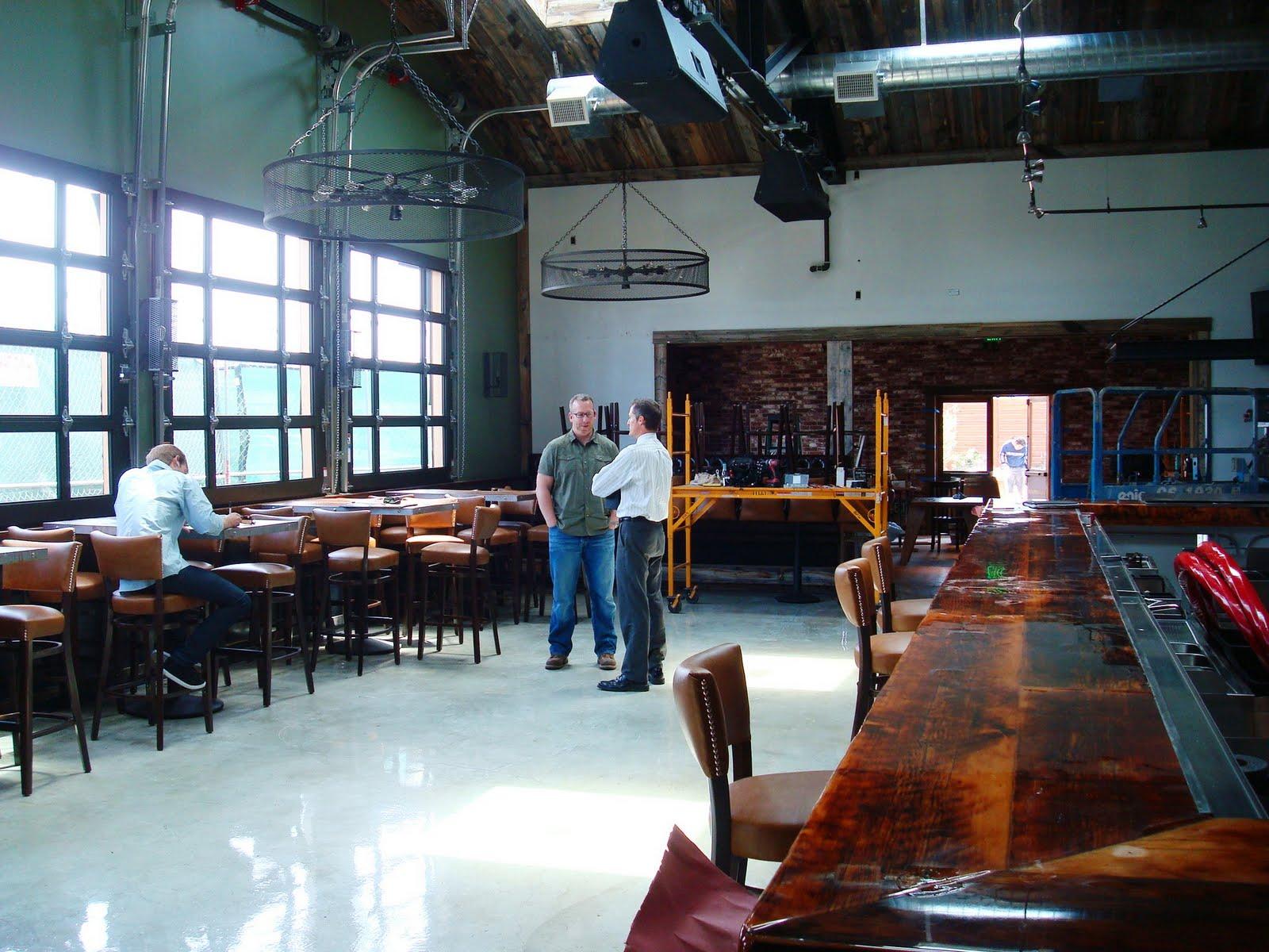 Glass garage doors restaurant - 11